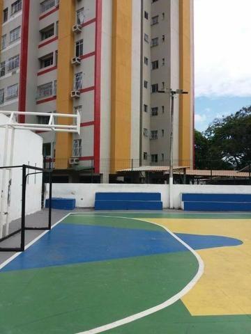 Parangaba !! Ótimo apartamento com 03 quartos no 7º andar com móveis projetados