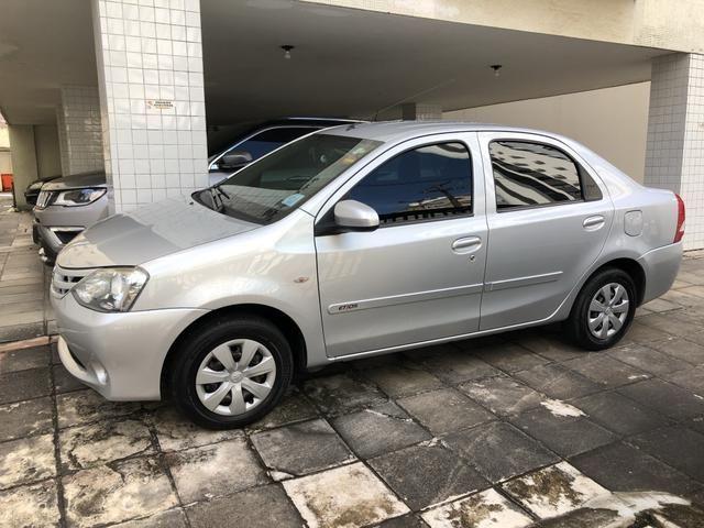 Etios sedan 1.5 2014 - Foto 6