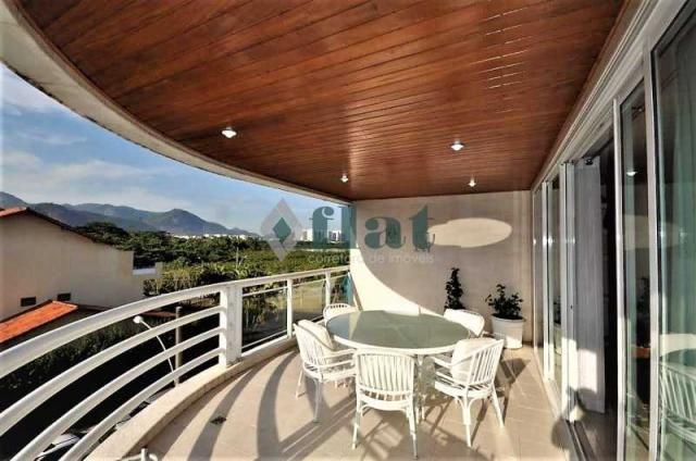 Apartamento à venda com 3 dormitórios cod:FLAP30088