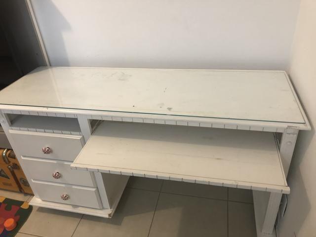 Escrivaninha branca em madeira - Foto 4