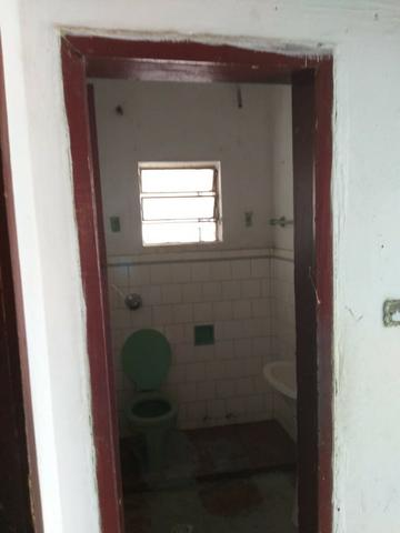 Alugo casa simples e antiga - Foto 4