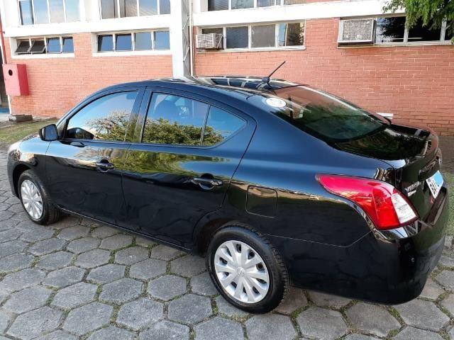 Nissan Versa 1.6 SV manual - estado de novo - Foto 9