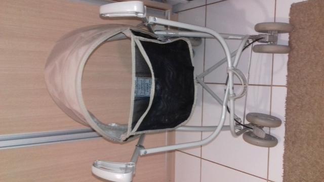 Vendo carrinho de bebê passeio - Foto 3