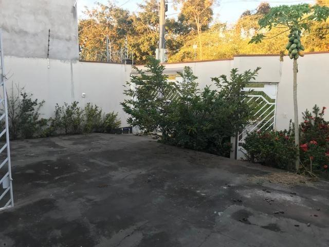 Casa com churrasqueira,cozinha planejada em terreno de 200m2 - Foto 4