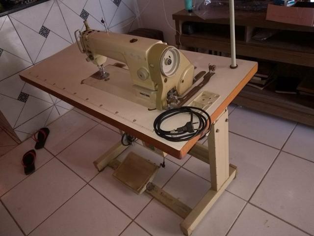 Máquina de costura industrial reta semi-nova - Foto 6