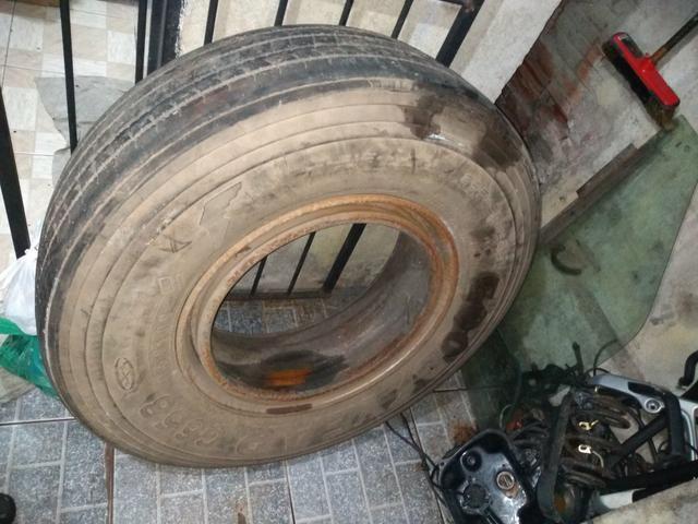 Pneu de caminhão carreta com roda - Foto 5