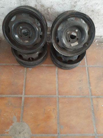 Rodas de ferro aro 13 celta semi usadas - Foto 2