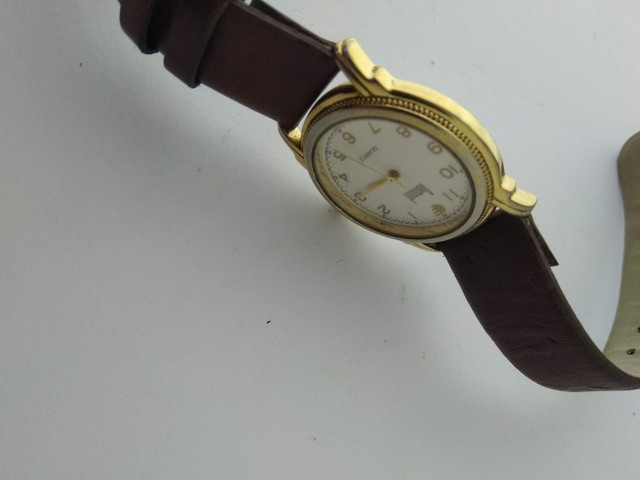 Relógio Dumont feminino dourado