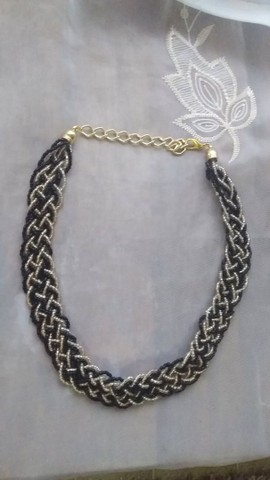 Max colar preto com dourado  - Foto 2