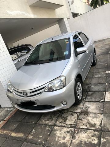 Etios sedan 1.5 2014 - Foto 2