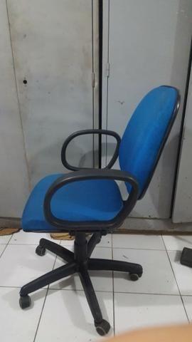 Cadeira diretor - Foto 2