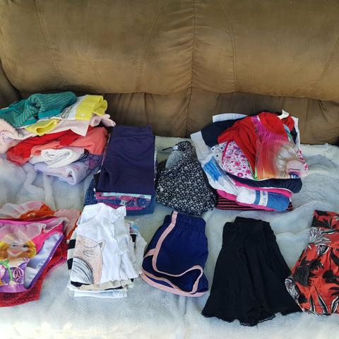 Lote roupa menina 1 ano ( Leia o anúncio)
