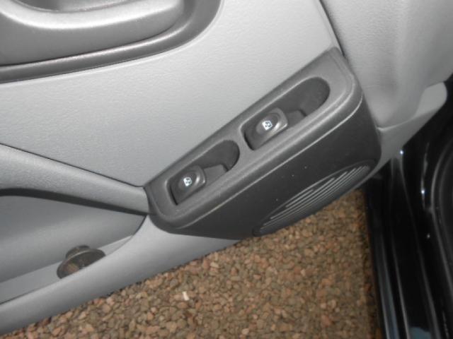 RENAULT CLIO CAMPUS HI-FLEX 1.0 16V 5P - Foto 11