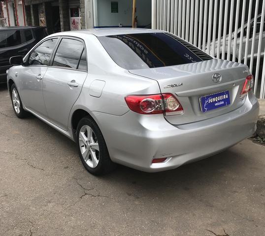 Toyota Corolla Gli 1.8 Automático 2013 - Foto 2