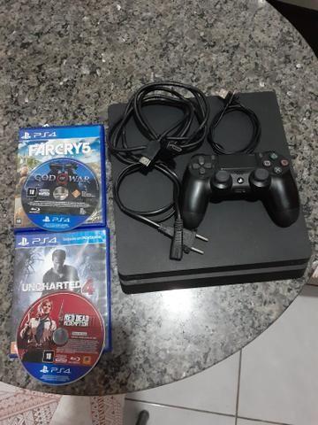 Vende se um PlayStation 4 slim 500g