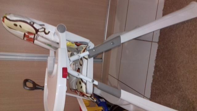 Vendo cadeira de alimentação - Foto 2
