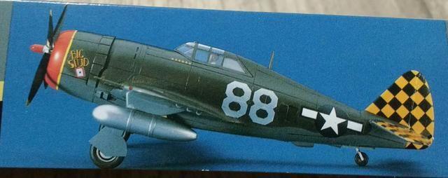 Avião para montar do caça-bombardeiro Republic P-47D Thunderbolt, escala 1/72, da Hasegawa - Foto 4