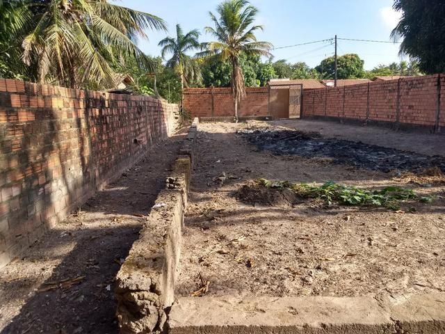 Vendo terreno 12 x 40 com alicerces, todo murado - Foto 4