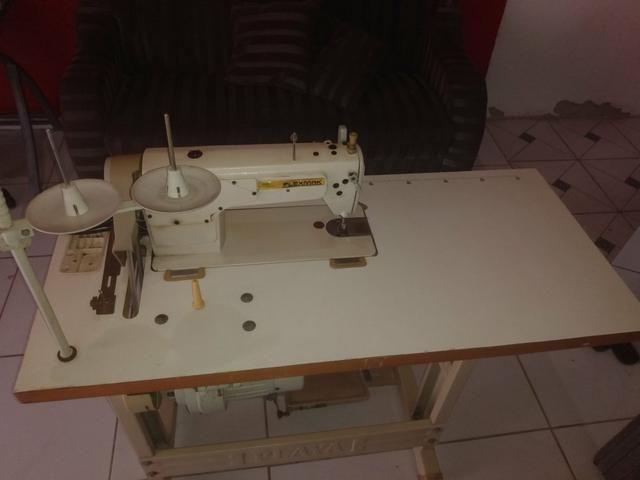 Máquina de costura industrial reta semi-nova - Foto 2
