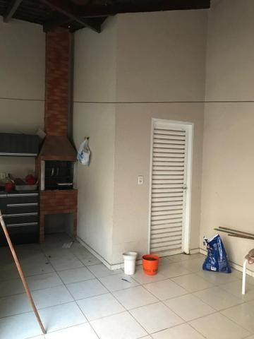 Casa com churrasqueira,cozinha planejada em terreno de 200m2 - Foto 16