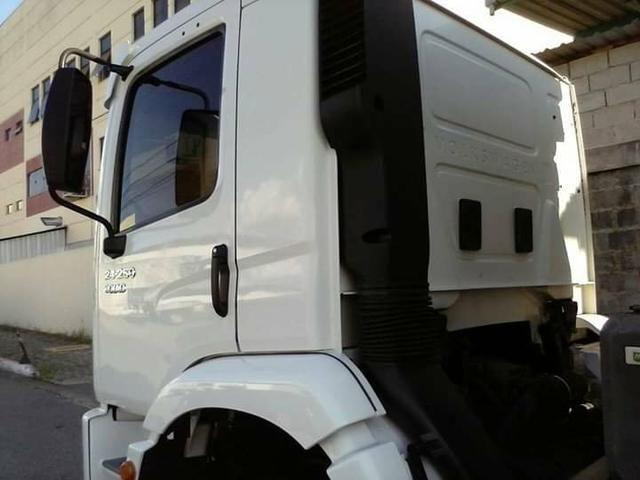 Caminhão VW Truck 24250 2012 - Foto 4