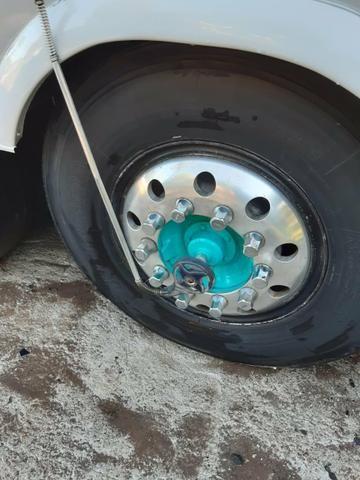 Vendo 8 rodas de alumínio ( 1100x20)