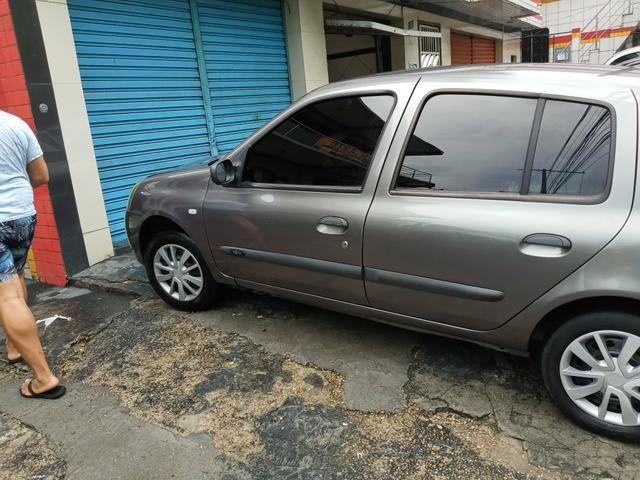 Clio Sedan authentic 1.0