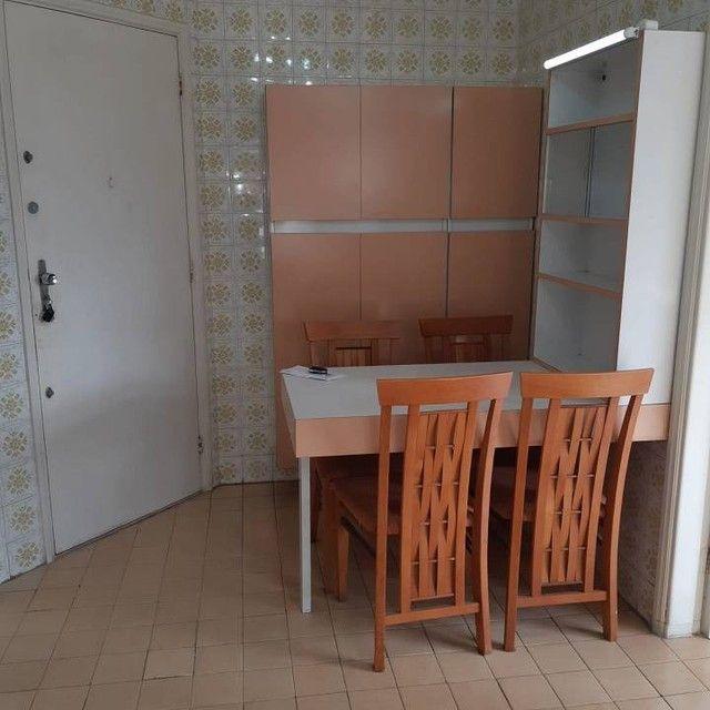 Amplo e arejado apartamento de 3 dorms (1 suíte) à venda no Gonzaga em Santos ? SP - Foto 10