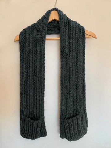 Manta em Tricot ou Crochê com bolso - Foto 4
