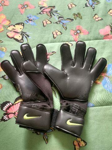 Luvas de goleiro profissional Nike grip 3 - Foto 2