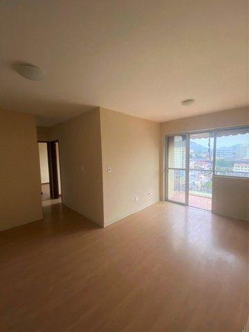 Engenho de Dentro - Apartamento com varanda, 2 quartos e vaga de garagem.