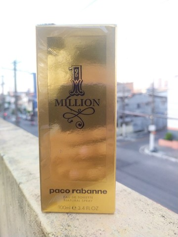 Perfume 1 Million lacrado