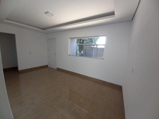 Linda Casa Jardim Montividéu com 3 Quartos***Venda*** - Foto 12