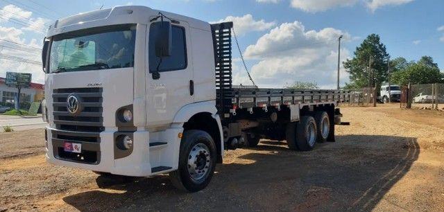 Caminhão 24280 Cabine leitto, Teto baixo Truck 6x2 Volkswagen - Foto 8