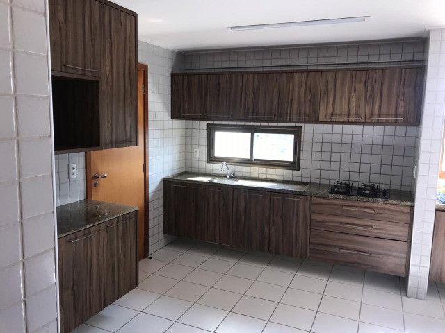 Apartamento com 107m², Sendo 3 Quartos, 1 Suíte, 2 Vagas No primeiro Jardim de Boa Viagem - Foto 7