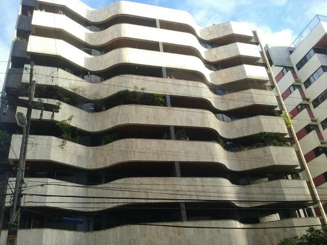 Ótimo apartamento 5/4 Ponta Verde
