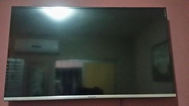 Vendo tv smartv39panasonic com defeito valor a combinar