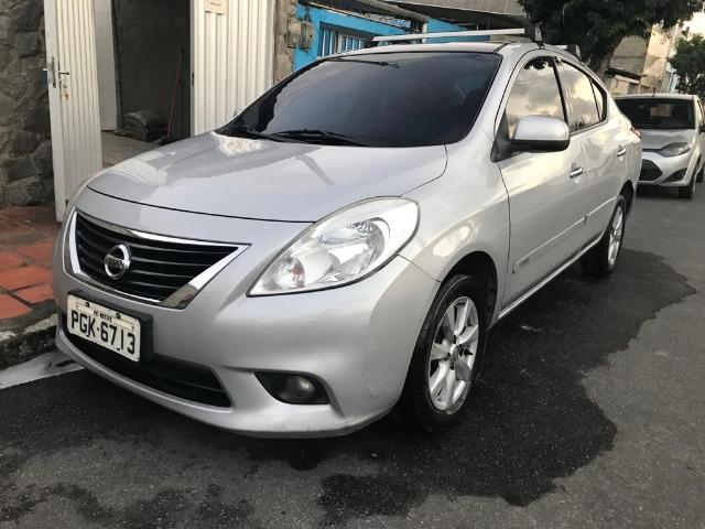 Nissan Versa SL Em Excelente Estado! Faço Financiamento!