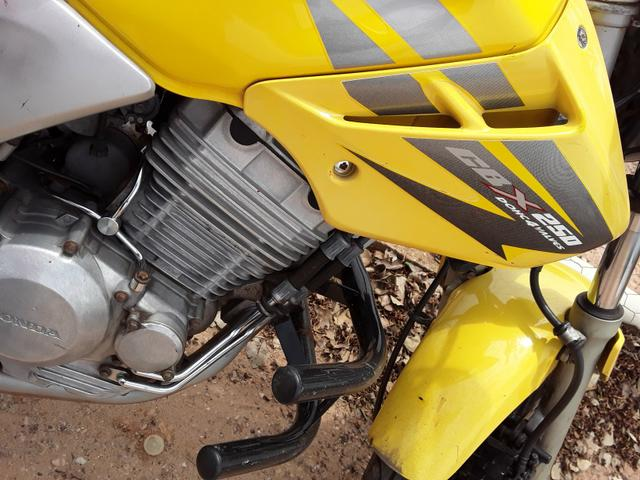 Vende-se Moto Twister 2007 - Foto 2