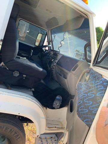 Caminhão 8-150 ano 2004 com baú Frigorífico - Foto 2