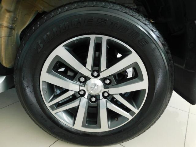 Toyota Hilux SW4 SRV 2.8 Diesel - Foto 12