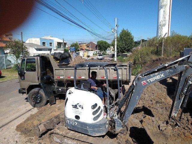 Perfuratriz com Bob Cat Mini Escavadeira - Foto 6