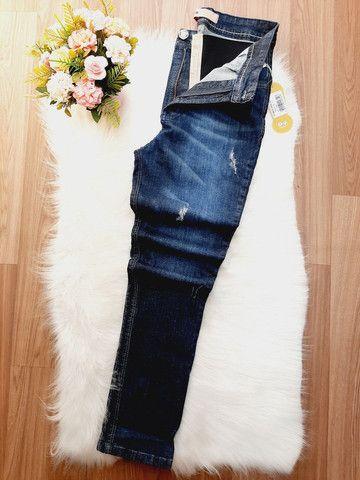 Calça jeans com cinta modeladora. Somente tamanho 38/40/44. Parcelo em 3X de R$ 40,00. - Foto 2