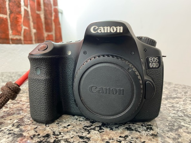 Canon 60D Corpo Mais 2 Baterias 38k Clicks - Foto 2