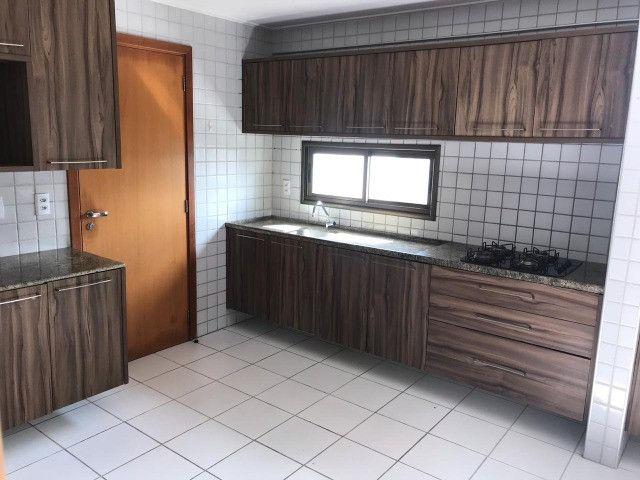 Apartamento com 107m², Sendo 3 Quartos, 1 Suíte, 2 Vagas No primeiro Jardim de Boa Viagem - Foto 4