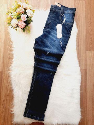 Calça jeans com cinta modeladora. Somente tamanho 38/40/44. Parcelo em 3X de R$ 40,00. - Foto 3