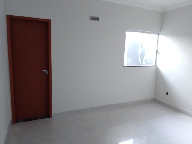 Casa nova com acabamento fino, no bairro Figueiras do Park!
