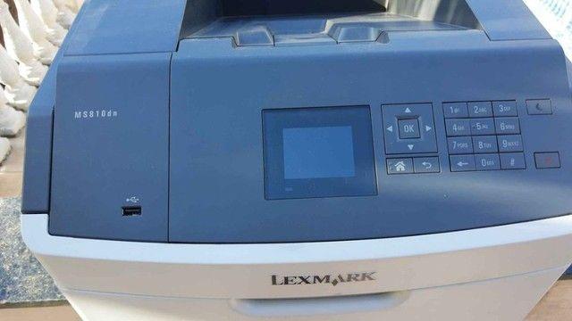 Impressora laser Lexmark monocromática MS810dn - Foto 2