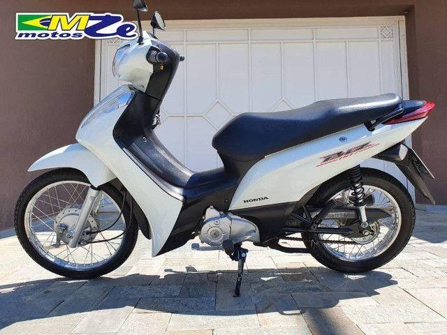 Honda Biz 110 I 2017 Branca com 8.600 km