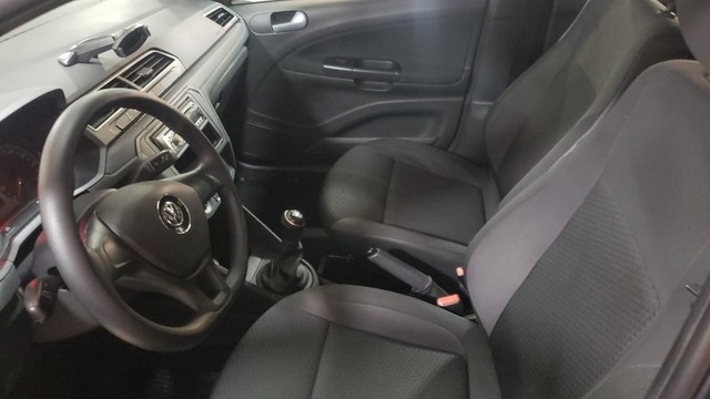 VW - Voyage Trendline 1.0 2018 GNV - Foto 5